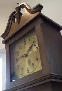 The heirloom Colonial Manufacturing Co., grandfather clock.